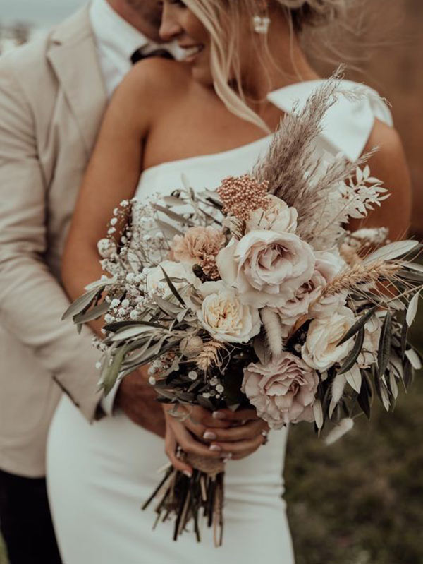 Modern Wedding Bouquets and Flowers